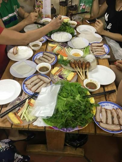 Khách hàng đặt tiệc Hoàng Bèo Trần Đăng Ninh