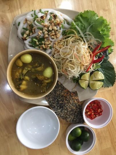 Mỳ Quảng Ếch - món ngon được yêu thích ở Hoàng Bèo Láng Hạ